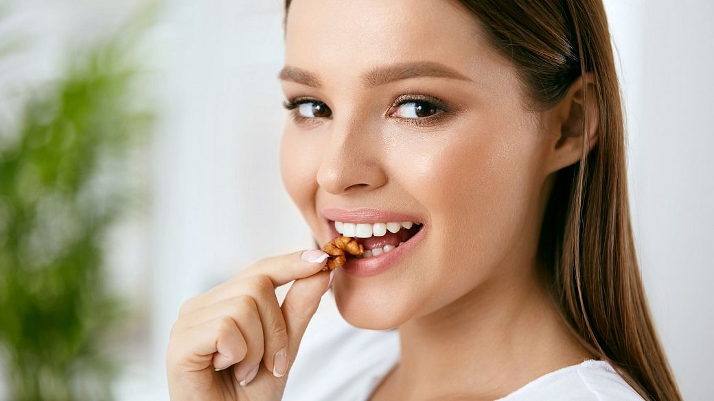 Wake Up With A Puffy Face? Eat These 5 Foods To Reduce Water Retention