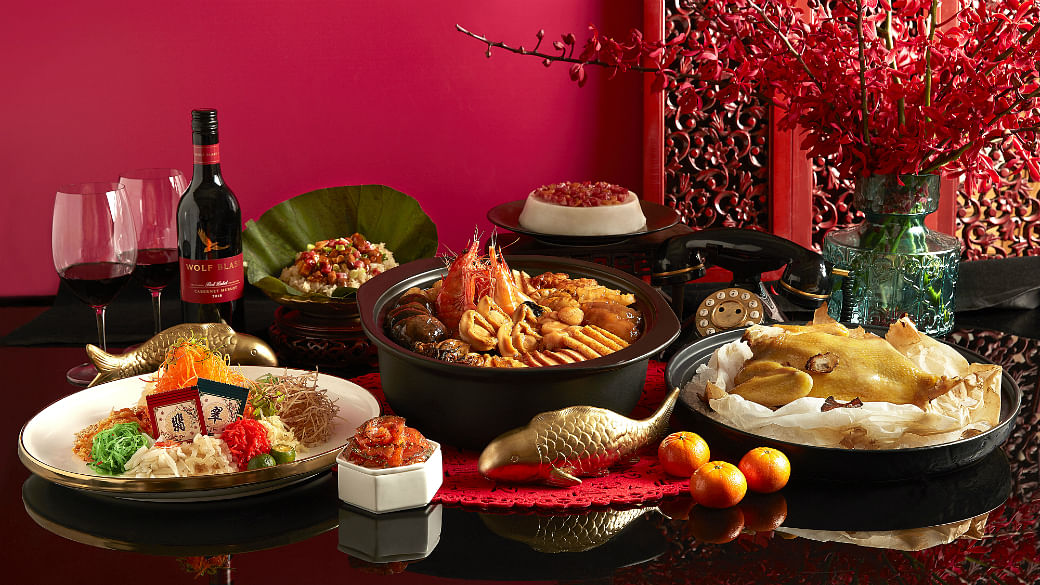 8 Best CNY Takeaway Feasts For A Restaurant-Quality Reunion Dinner At Home