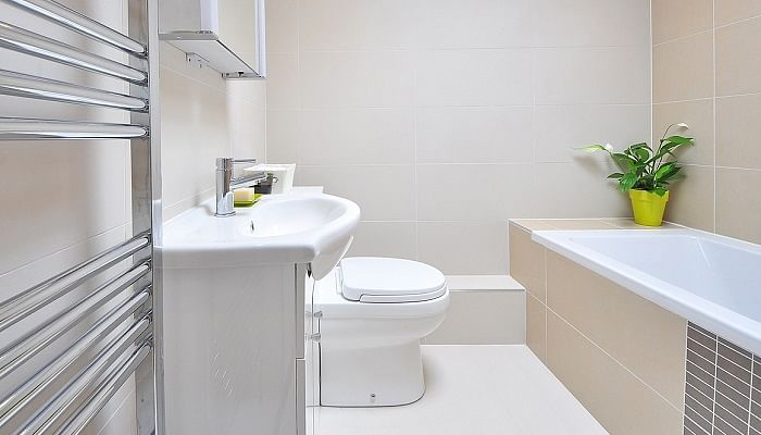 Easy Natural And Fast Ways To Keep Your Bathroom Fresh