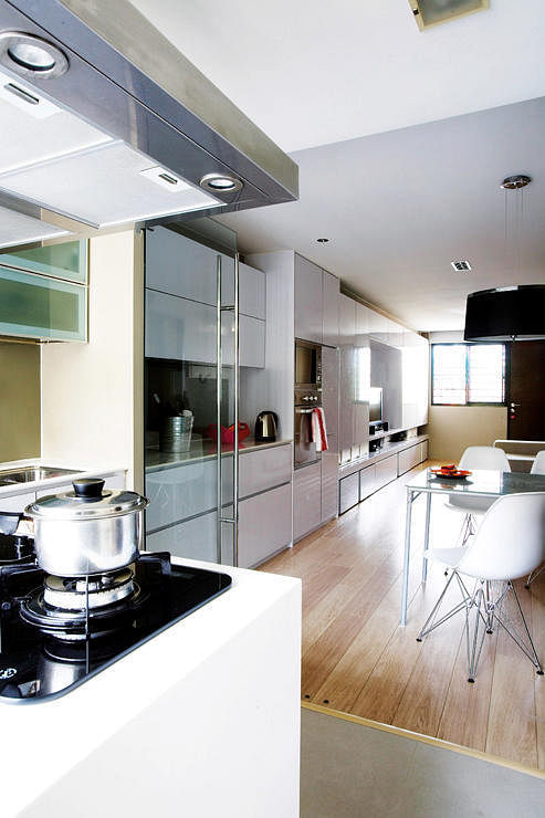 Could This Kitchen Design Trend Be The Key To A Bigger Looking Home The Singapore Women S Weekly