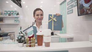 How Fast Can You Bubble Tea With Vivian Lai?