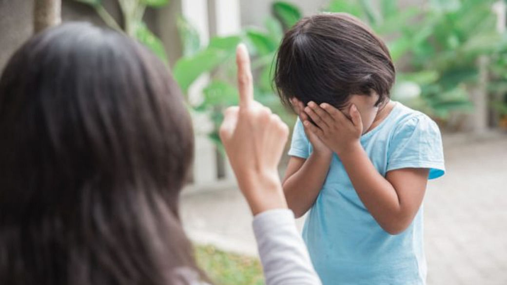 Things You Should Never Say To Your Child When Angry_Featured