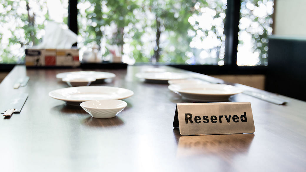 restaurants with private dining rooms social distancing