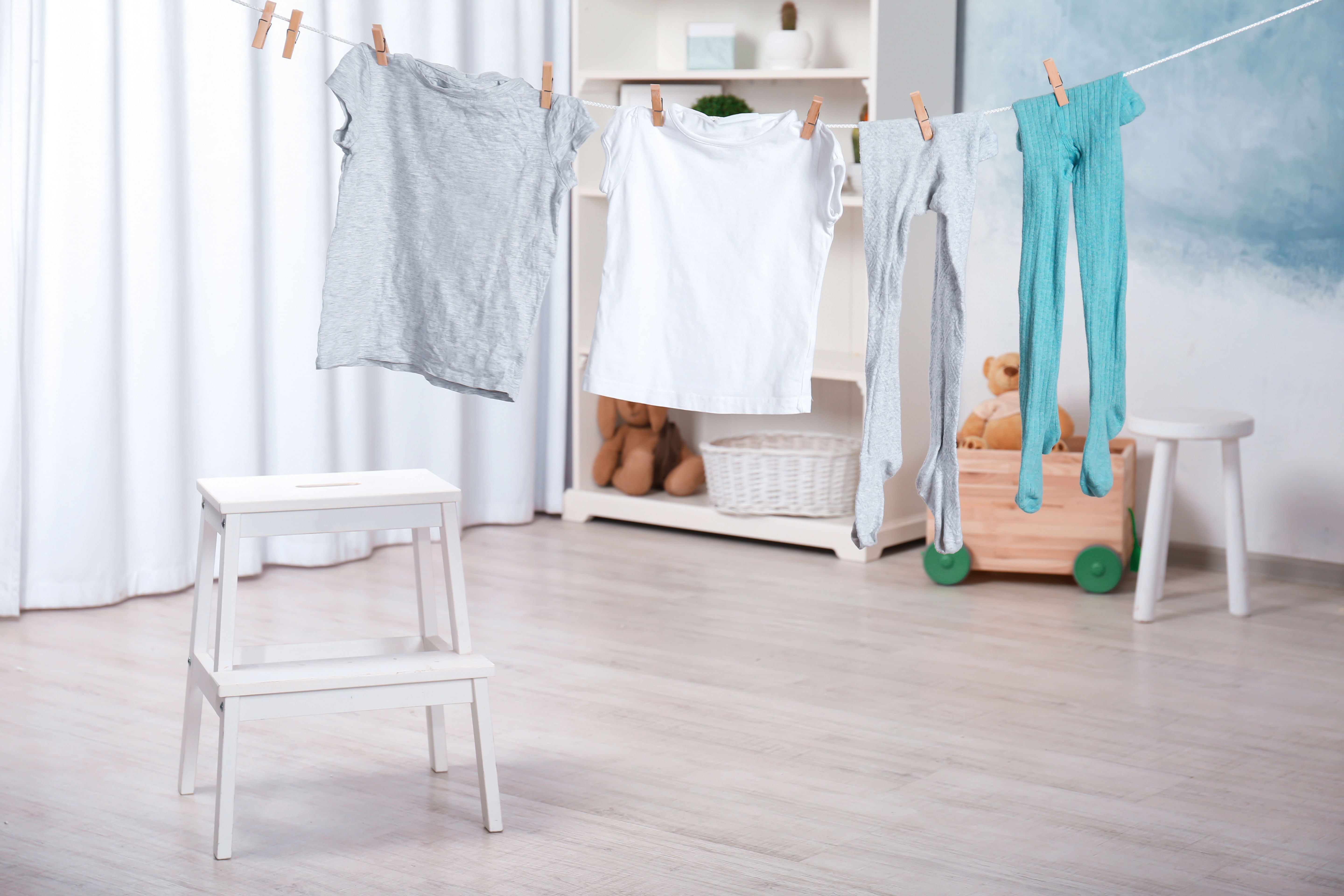How to dry clothes indoors quickly