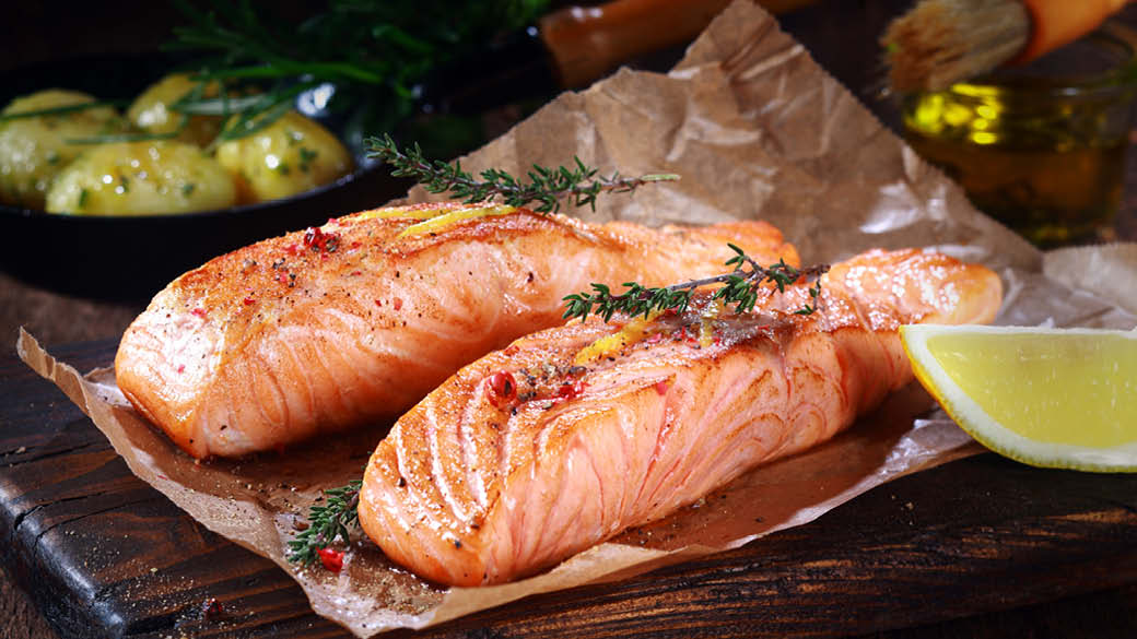 different ways to cook salmon from salmon burgers to salmon pie, risotto, porridge, pan-fried, baked, sashimi, smoked and more