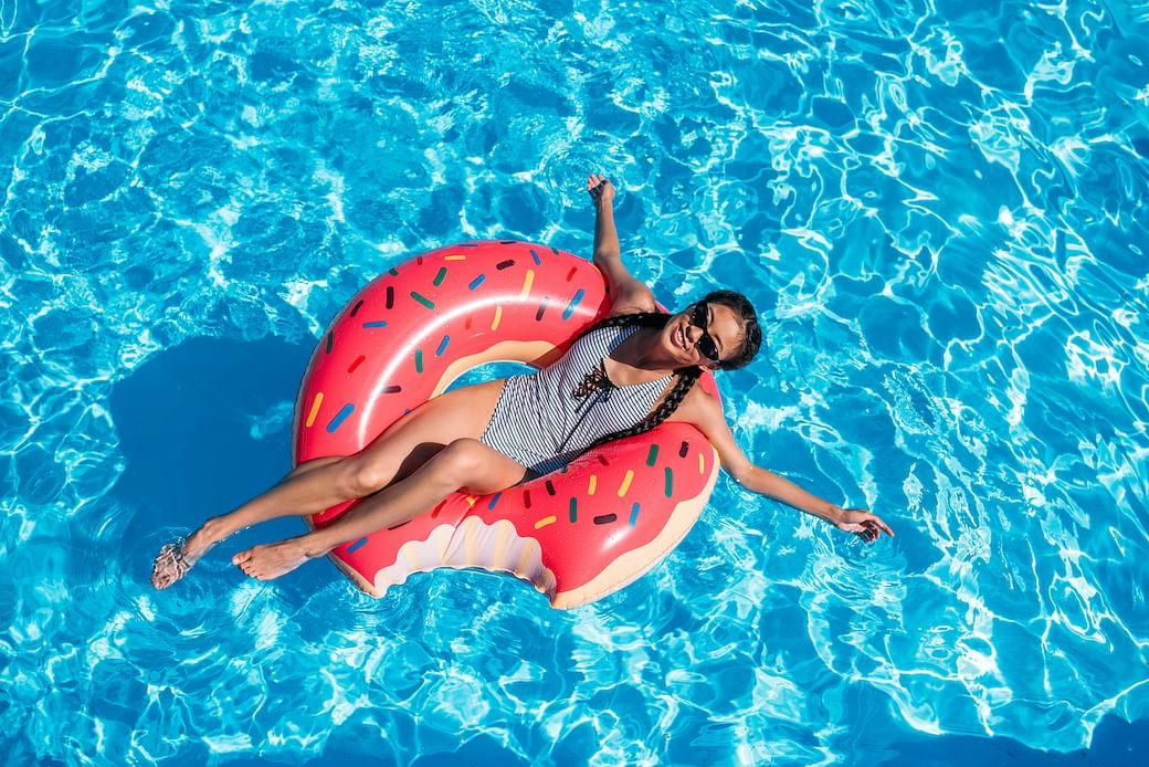 11-practical-stylish-swimwear-relaxing-serious-swims