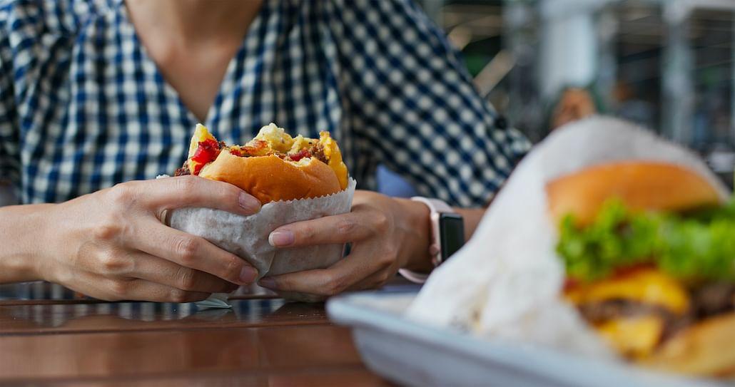 avoid-overeating-binge-eating-covid-19-stress
