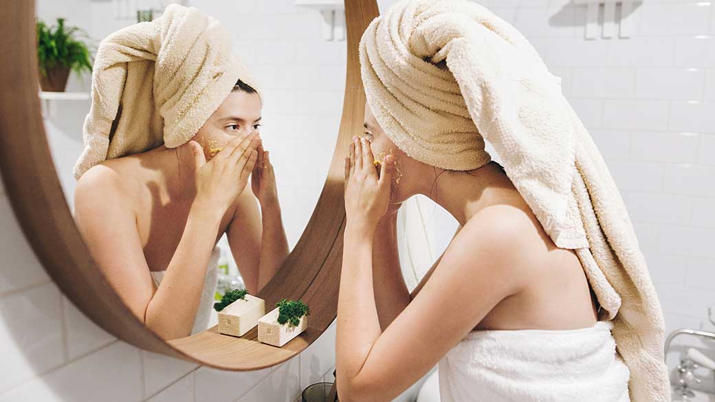 Hot And Humid Weather Giving You Maskne? Here Are 5 Fast-Acting Acne Treatments