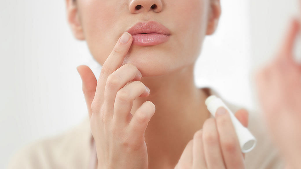 Your Dry, Cracked And Itchy Lips Could Be Due To Cheilitis
