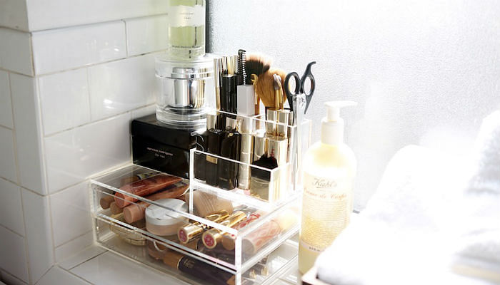 11 Ways To Organise Your Makeup-featured