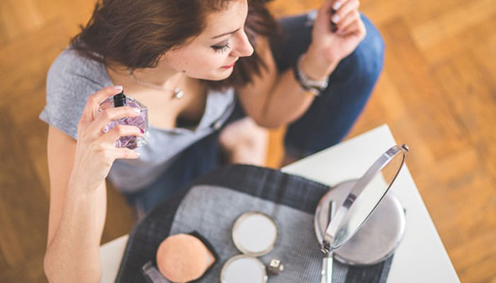 15 Secret Uses For Beauty Products Every Beauty Junkie Should Know_3