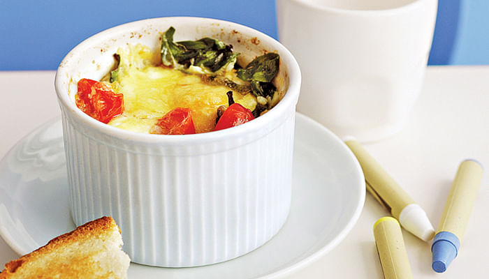 Baked Eggs With Bacon And Tomato