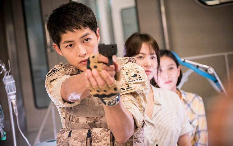 Song Joong Ki as Captain Yoo Si Jin in Descendants Of The Sun