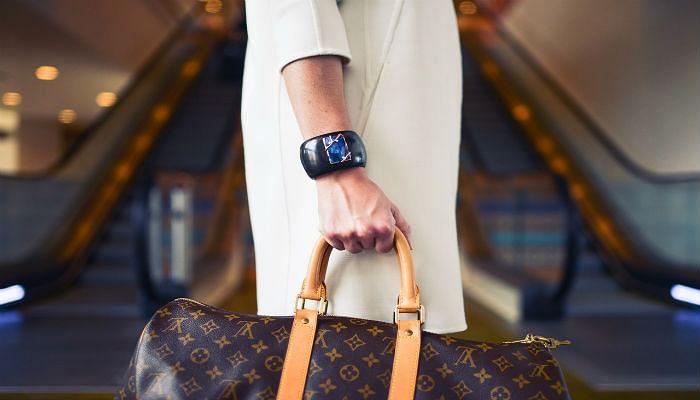 fashion-woman-cute-airportsized