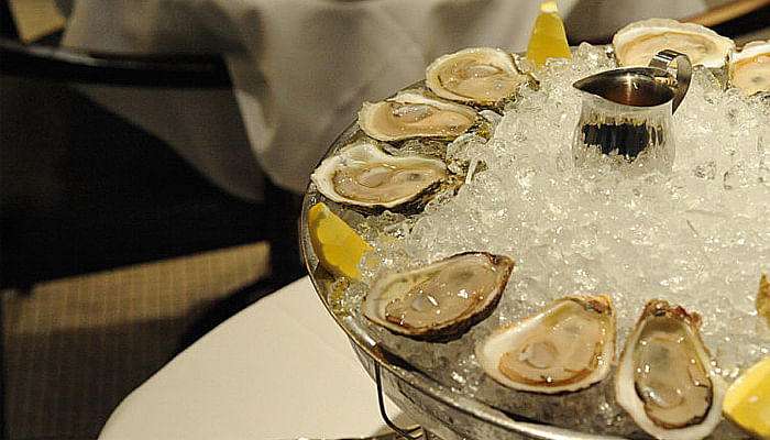 5 Oyster Bars in Singapore Worth Visiting_Luke's