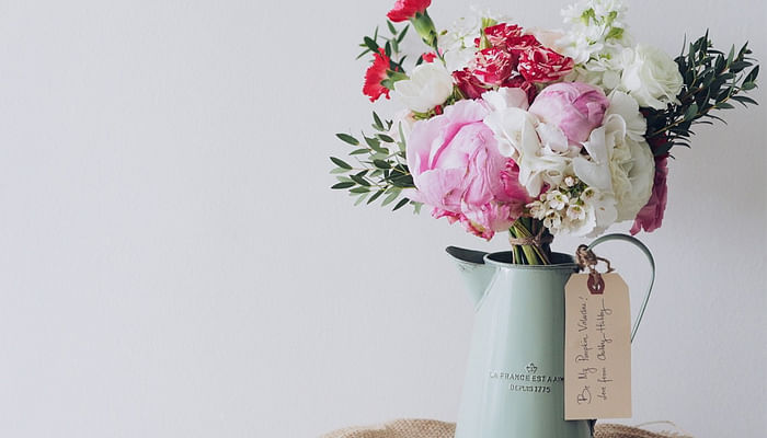 5 Ways To Throw A Party Like Lauren Conrad_Flowers