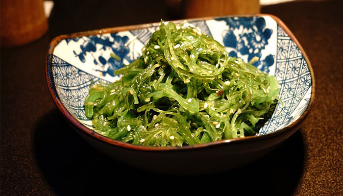 6 Tasty Yet Healthy Foods You Need In The Kitchen_Seaweed
