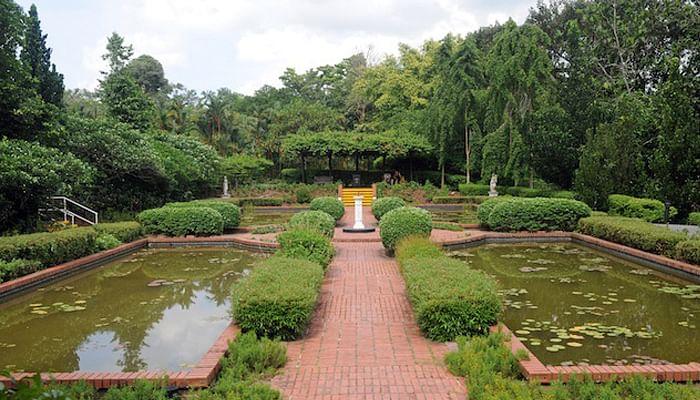 8 Restaurants With Eat Clean Menus in Singapore_Sundial Garden