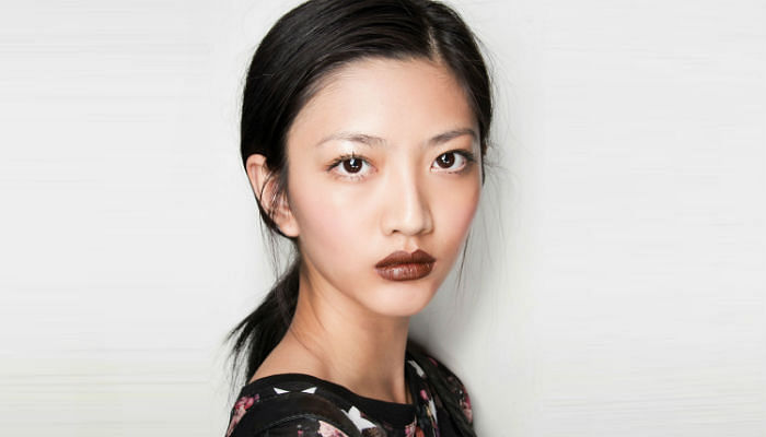 How To Ace The Brown Lipstick Look-Featured