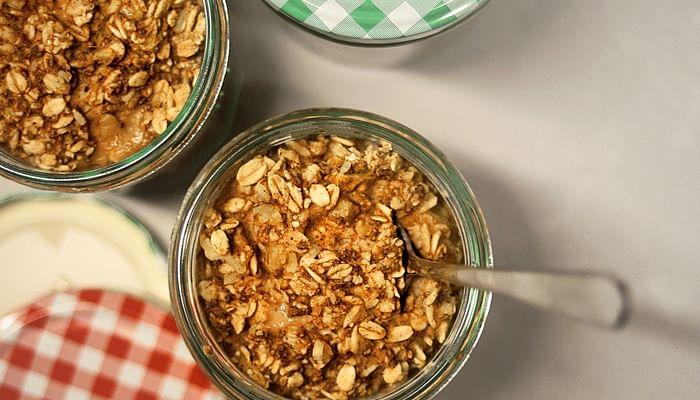 Foods jar of oats