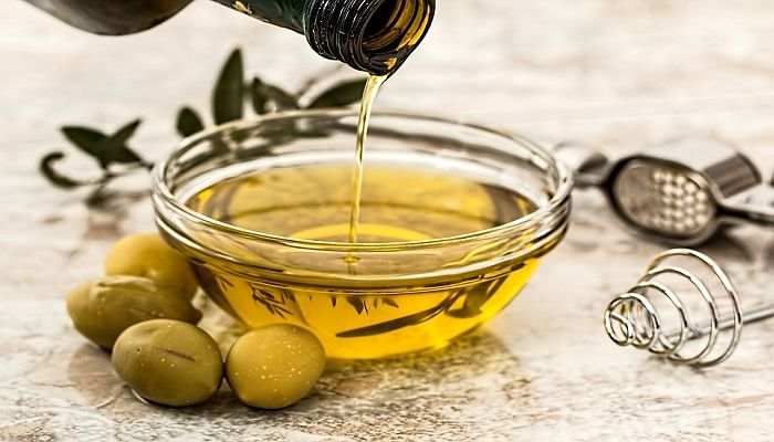 10 Ingredients You Can Use To Clean Your Home_OliveOil