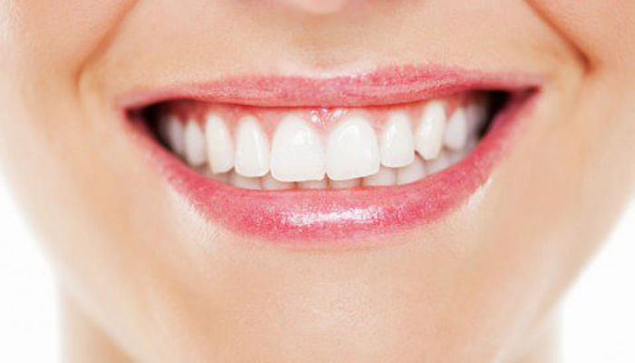 Foods To Eat For Naturally Whiter Teeth_Featured Imag