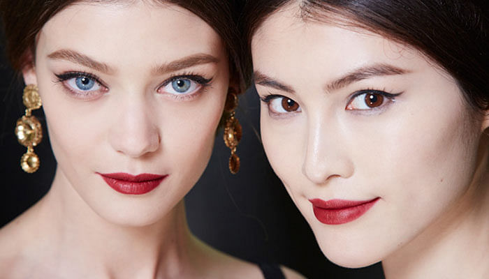 How To Pull Off Classic Red Lips Every Day_3