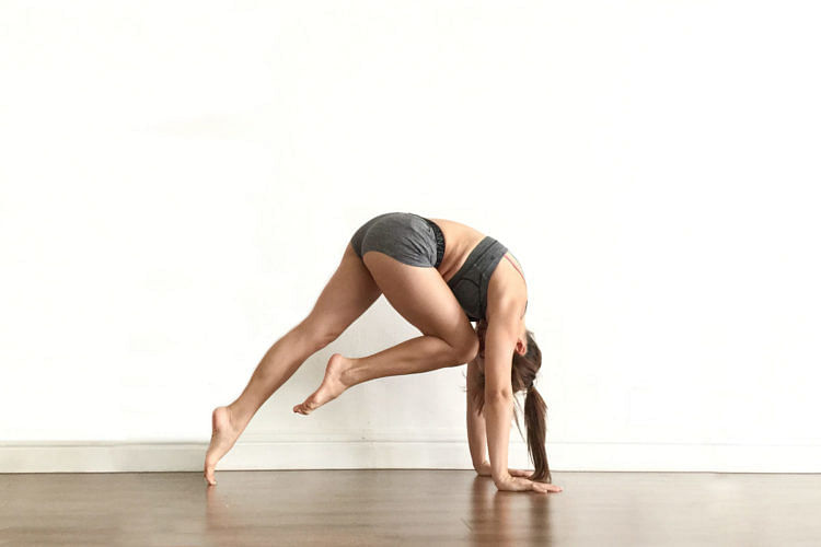these-easy-yoga-poses-will-help-tone-your-body_1