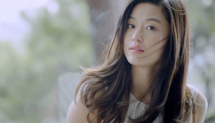 You Won't Believe How Much K-Drama Actresses Like Song Hye Kyo And Jun Ji Hyun Get Paid_jun-ji-hyun