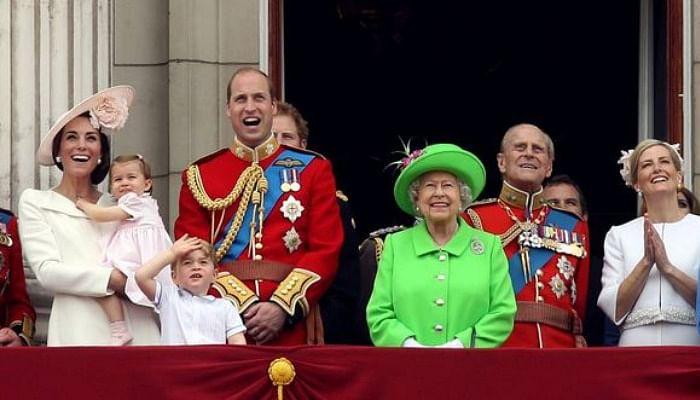 Queen Elizabeth's 15 Best Style Moments8