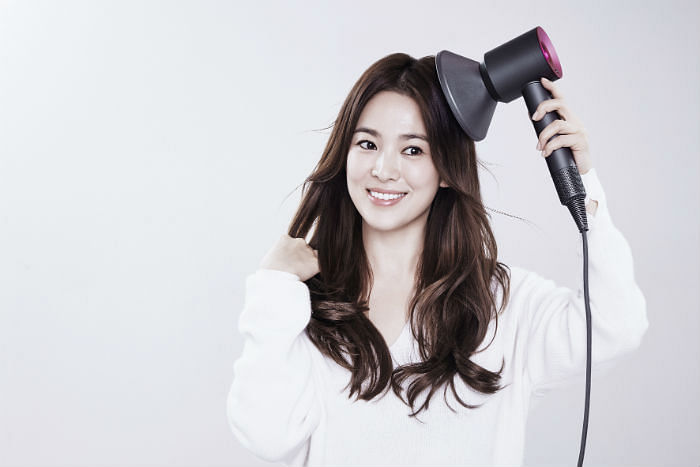Your Step-By-Step Guide To Getting Korean Bouncy Curls Like Song Hye Kyo