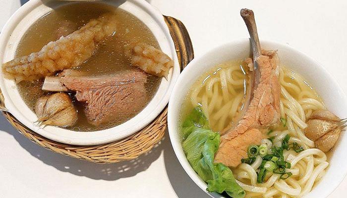 Sea-cucumber-bak-kut-teh-and-sanuki-udon-with-pork-loin-rib-from-BakBak-PHOTO-JONATHAN-CHOO