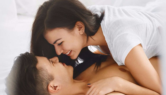 10 Sex Positions To Try If Your Guy Isn't Well Endowed