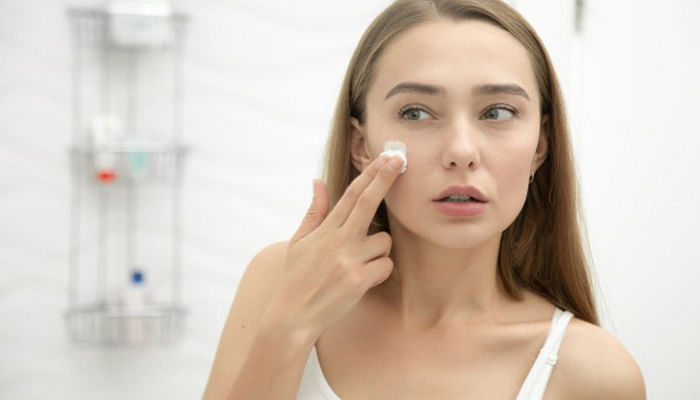 Believing-These-Acne-Myths-Could-Prevent-You-From-Getting-Great-Skin_4