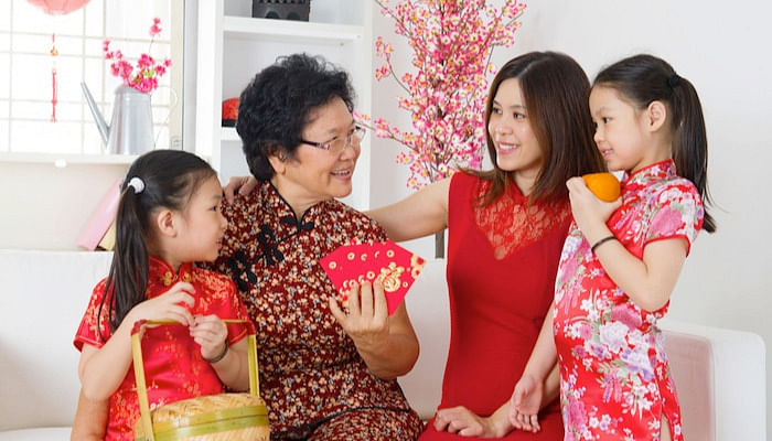 Your Ultimate Guide To Surviving CNY When You Dread Your Relatives