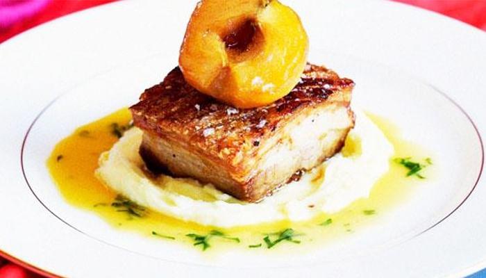 Roast-pork-belly-with-caramelised-apples