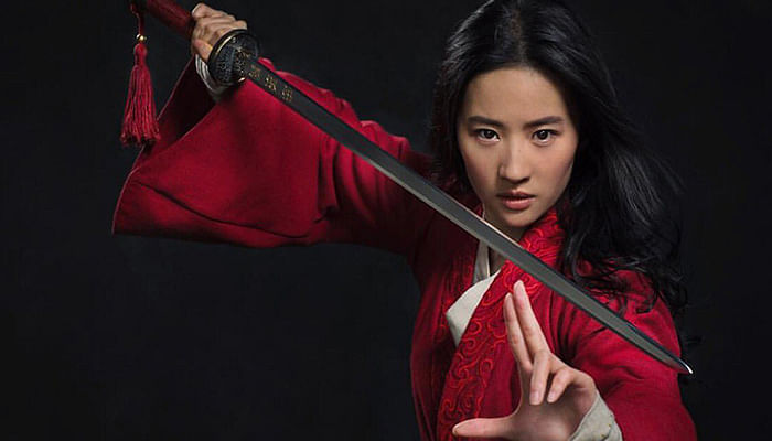 What-You-Need-To-Know-About-Liu-Yifei-The-New-Mulan_Featured