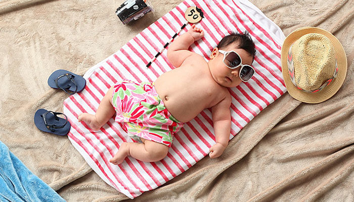 baby-with-sunglasses