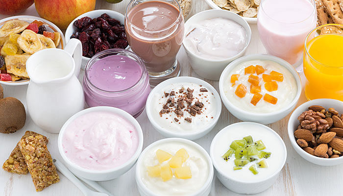 Milk-yoghurt-dairy-breakfast-drinks-cereals-fruits