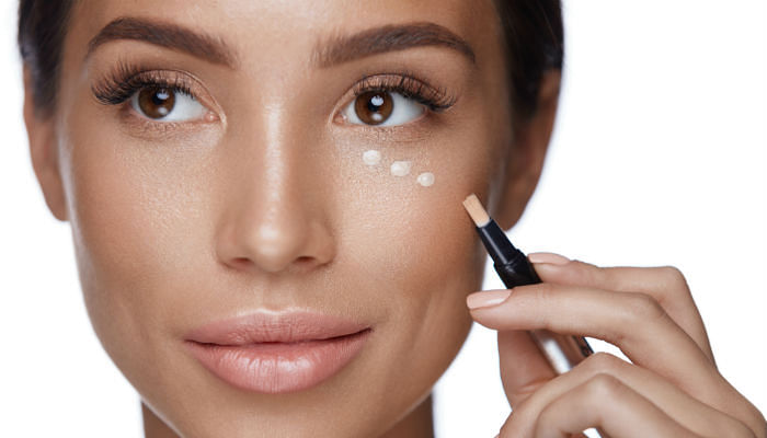 The Best Full-Coverage Concealers That Feel Weightless On Skin - featured