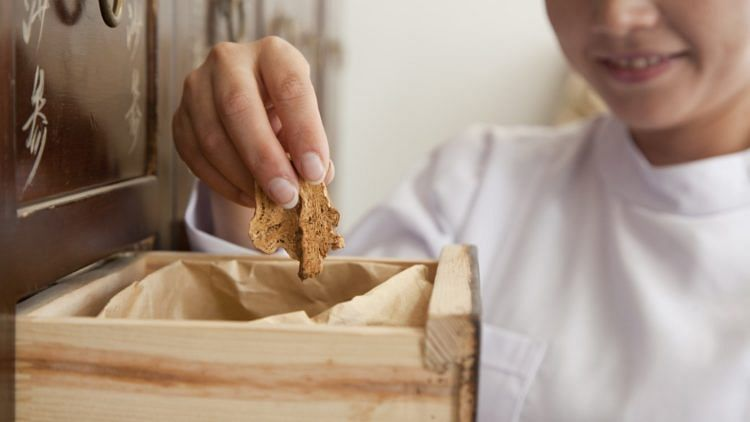 Is Traditional Chinese Medicine (TCM) The New Darling Of The Beauty Industry-Featured