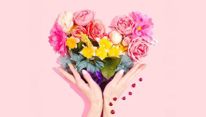 flower heart shape bouquet